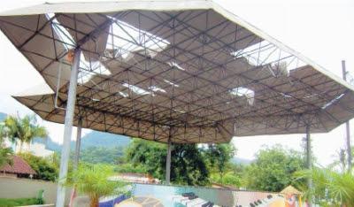 Estado de conservação do palco em 2011, na administração de Cecília Konell