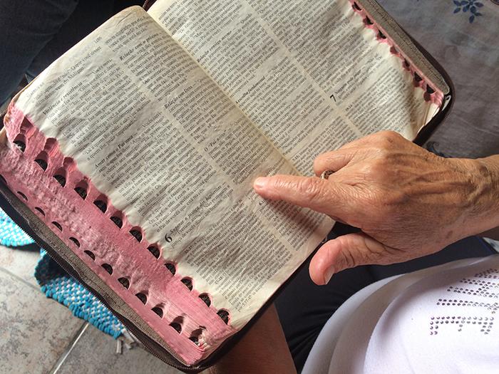 As orações que são feitas durante o benzimento são retiradas da Bíblia Sagrada.