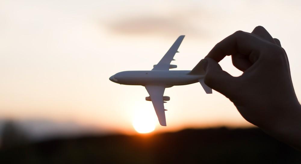 avião-e-mão