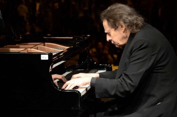 Pianista Arthur Moreira Lima se apresenta em Joinville este mês
