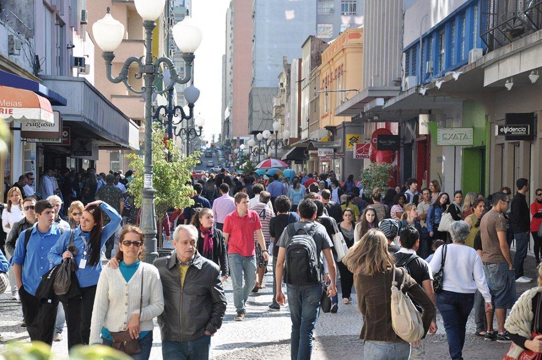 Lojas voltam a abrir no horário habitual  | Divulgação/CDL