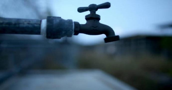Mulher passou natal e ano novo sem água   Foto Divulgação