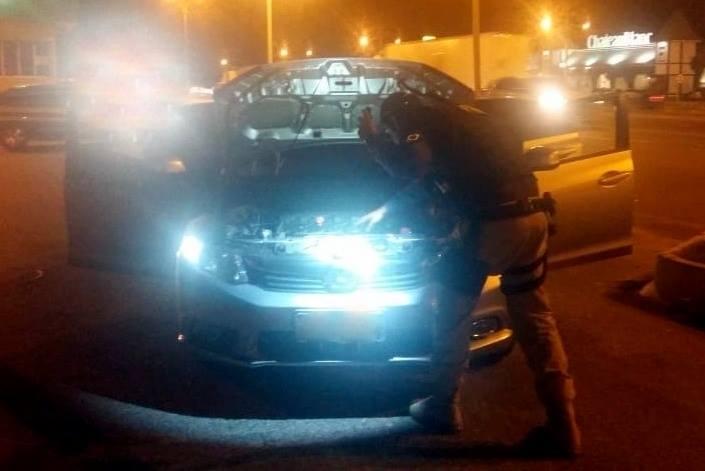 Honda Civic foi recuperado na BR-101, em Itapema, no Litoral de SC | Foto PRF/Divulgação