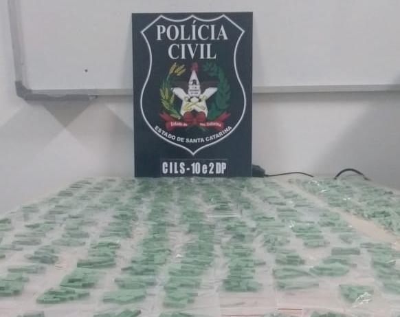 Polícia apreendeu 5.666 comprimidos de ecstasy, além de um quilo do material ainda em pó | Foto Polícia Civil/Divulgação