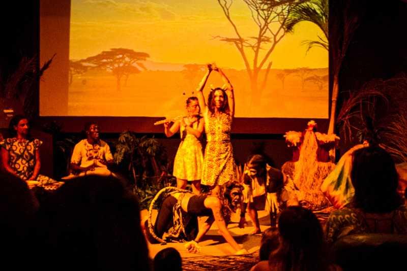 A peça, inspirada na lenda africana Kono, é feita por dançarinos e músicos | Foto Divugação