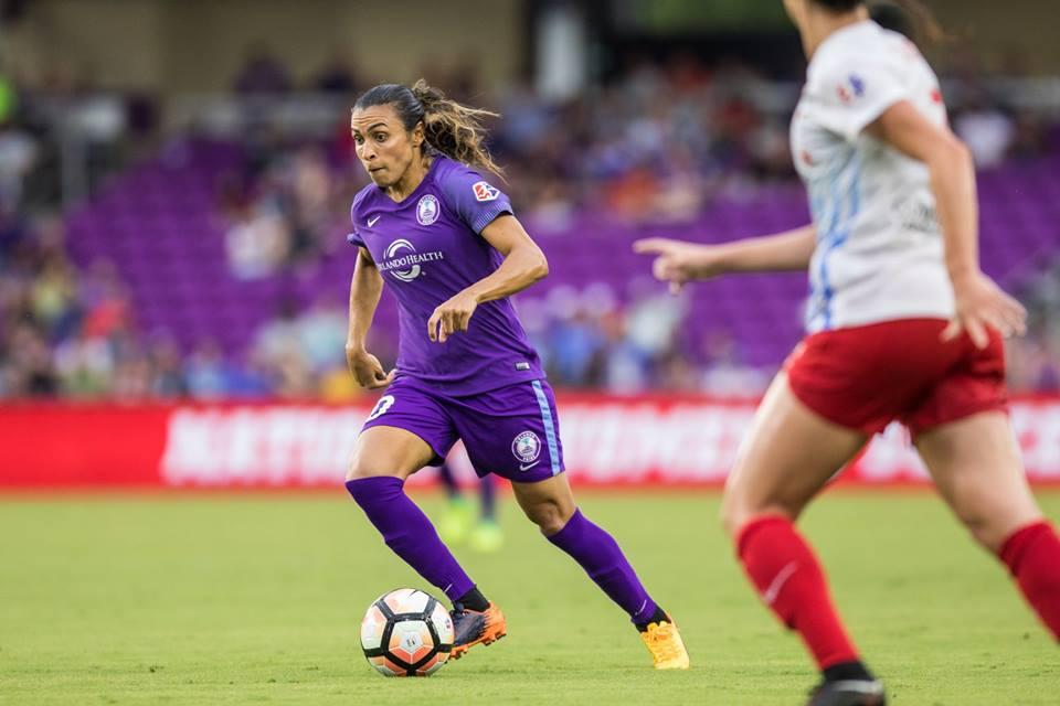 Melhor jogadora do mundo, Marta nova com time dos Estados Unidos