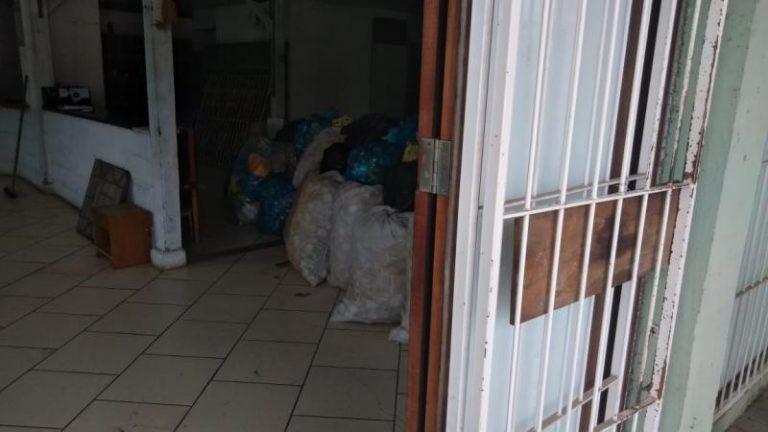 Crime ocorreu em um comércio de sucatas às margens da rua Doutor Pedro Zimmermann, na Itoupava Central |Foto: Adriano Lins
