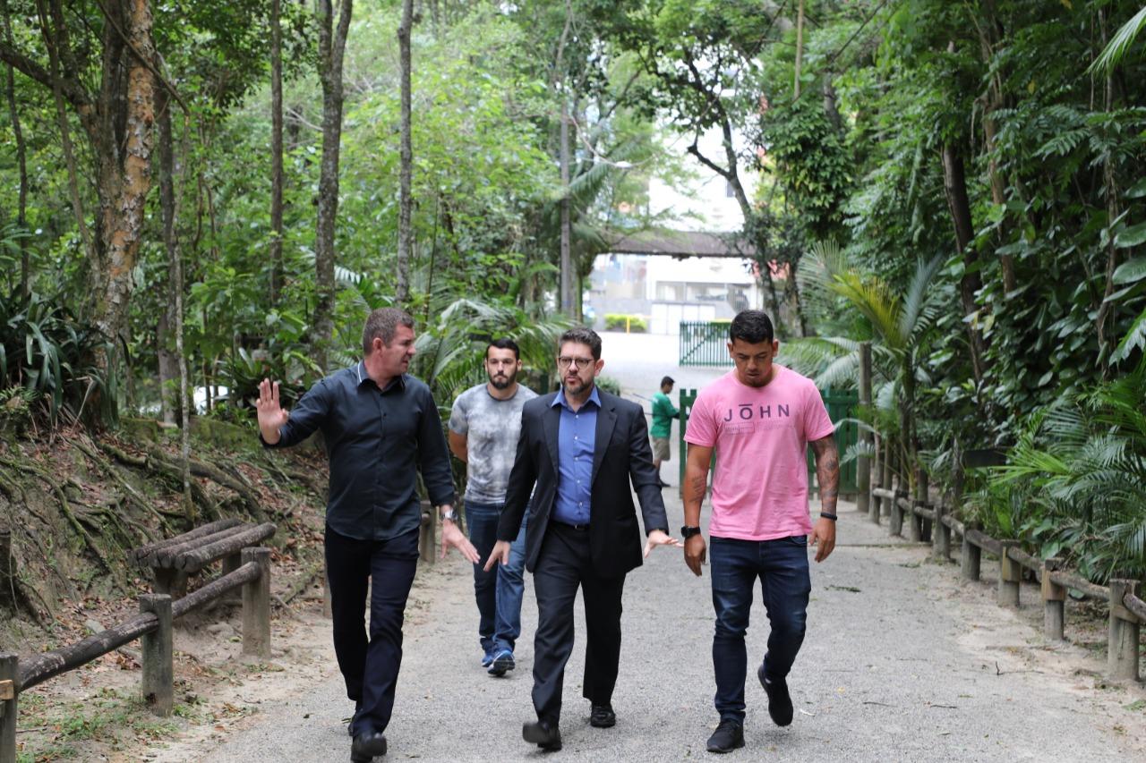 Prefeito de Florianópolis em exercício, João Batista Nunes, e o superintendente da Floram, Álvaro Casagrande, fizeram vistoria no Parque  | Foto Cristiano Andujar/PMF