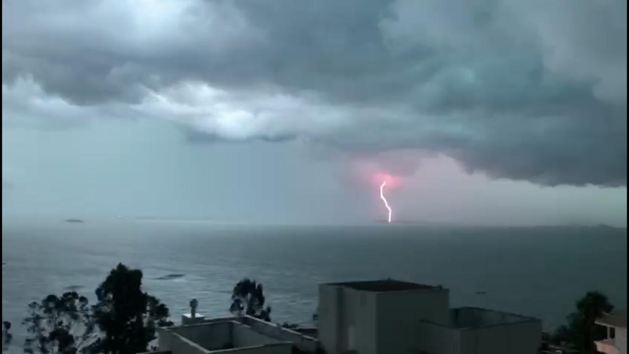 Temporal de fim de tarde assustou moradores de Florianópolis   Foto Bruno Oliveira