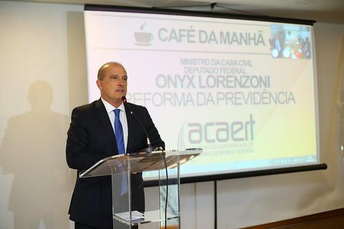 A bancada federal catarinense teve um encontro em Brasília, com o ministro da Casa Civil, Onyx Lorenzoni   Foto Bruno Mota/Divulgação