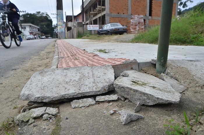 Veja como se adequar e não ser multado pela nova lei das calçadas em Jaraguá do Sul