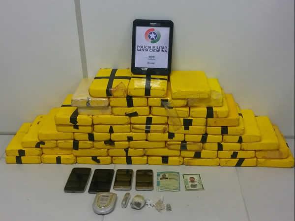 A operação ainda resultou na apreensão de 55 kg de cocaína | Foto PMSC/Divulgação