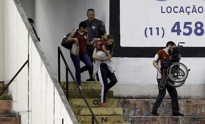 No colo da mãe, menino Theo foi uma das crianças envolvidas no caso em Jundiaí | Foto Divulgação
