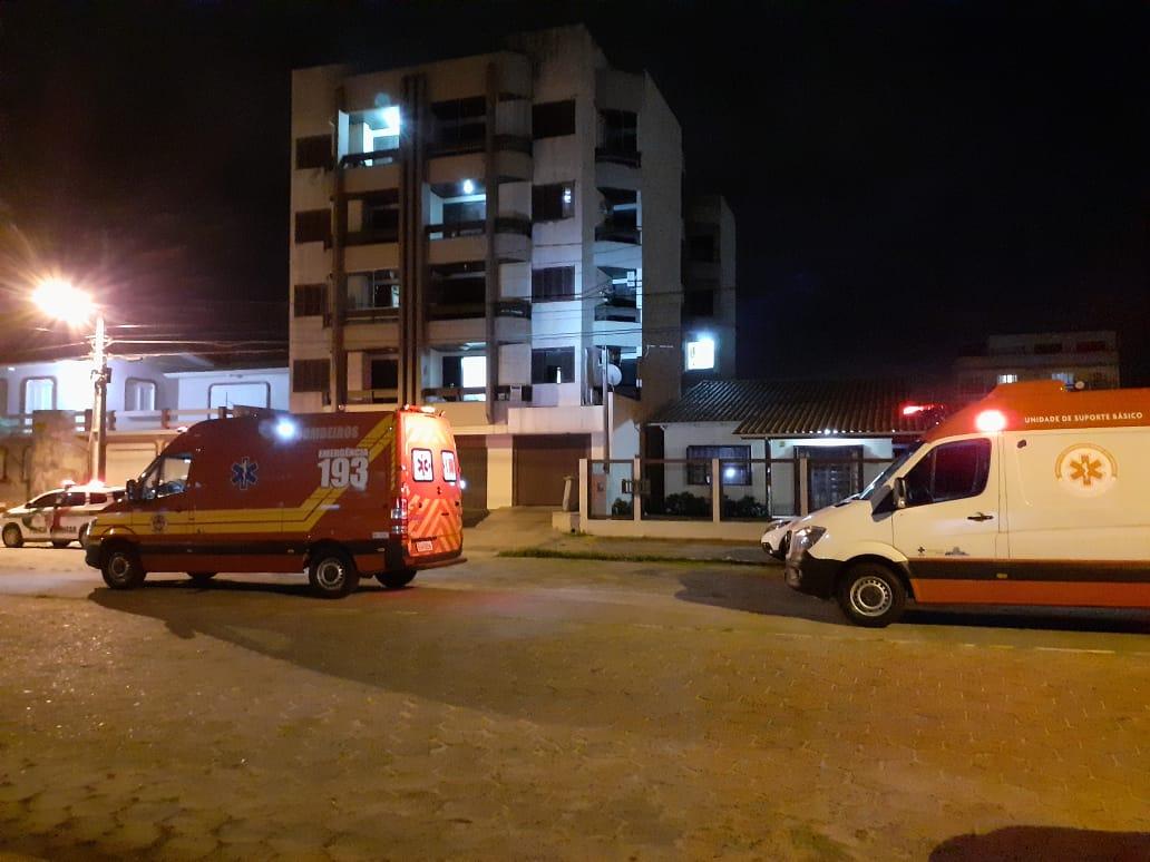 Em surto psicótico, mulher teve que ser medicada à força em Balneário Arroio do Silva