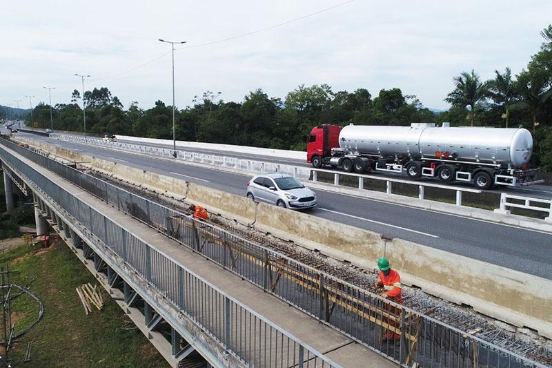 Nova etapa de obras inicia na sexta-feira (15)   Foto: Arteris Litoral Sul/Divulgação