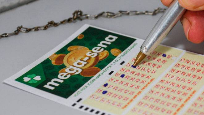 Cinco apostas acertam quadra da Mega-Sena em Criciúma; prêmio principal acumulou