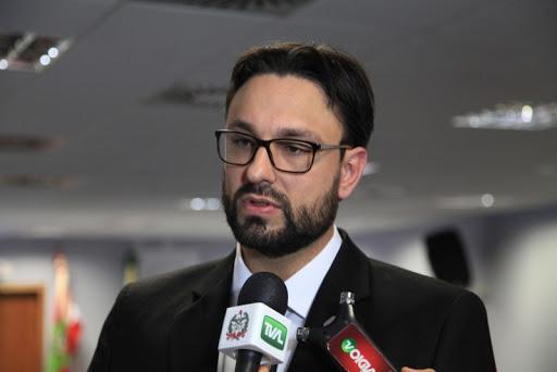 """""""Esse é um governo covarde e ineficiente"""", afirma autor do pedido de impeachment do governador Carlos Moisés"""