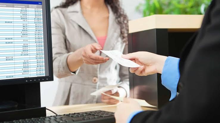 Cliente de banco será indenizada em R$ 115 mil após levar golpe da própria gerente