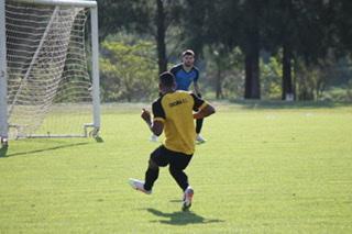 Criciúma encara o São Bento fora de casa nesta segunda-feira