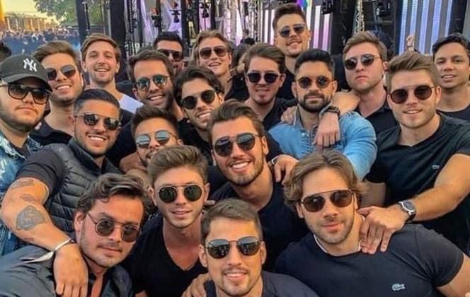 Foto da festa que rendeu polêmica nas redes socias | Reprodução Twitter Felipe Neto