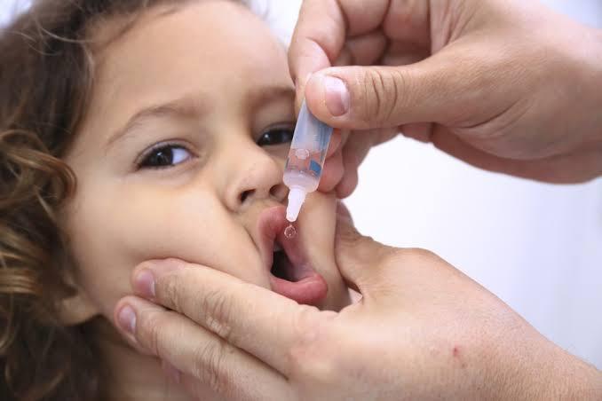 Poliomielite: vacinação ocorre em horários e locais especiais neste fim de semana