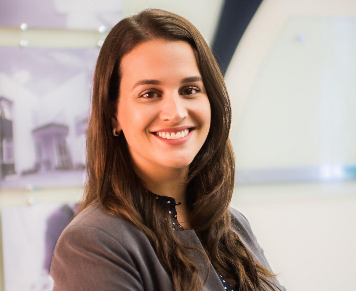 Raquel Cristine Mayer, sócia da MMD Advogados.