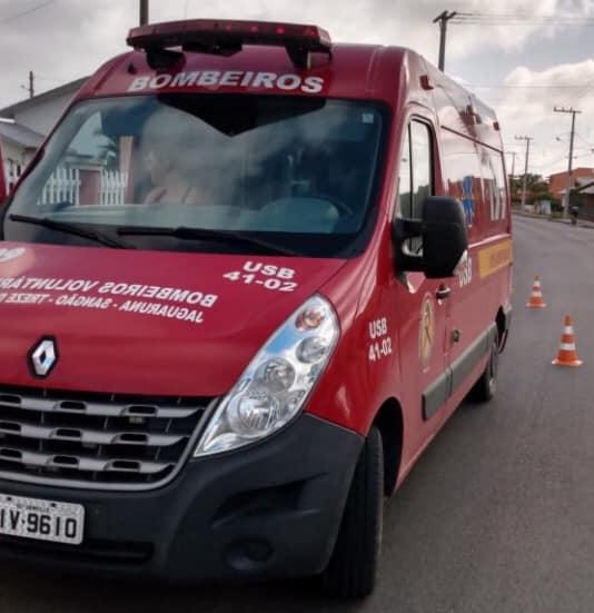 Motociclista fica ferido ao colidir em veículo no Centro de Jaguaruna