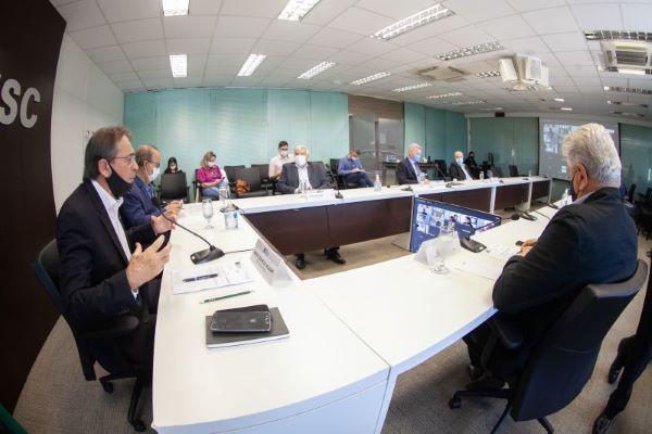 Encontro semipresencial reuniu lideranças empresariais e políticas | Foto: Filipe Scotti