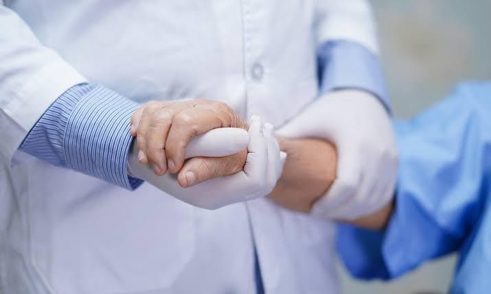 Cai ainda mais o número de infectados ativos e de hospitalizados por Covid-19 em Criciúma